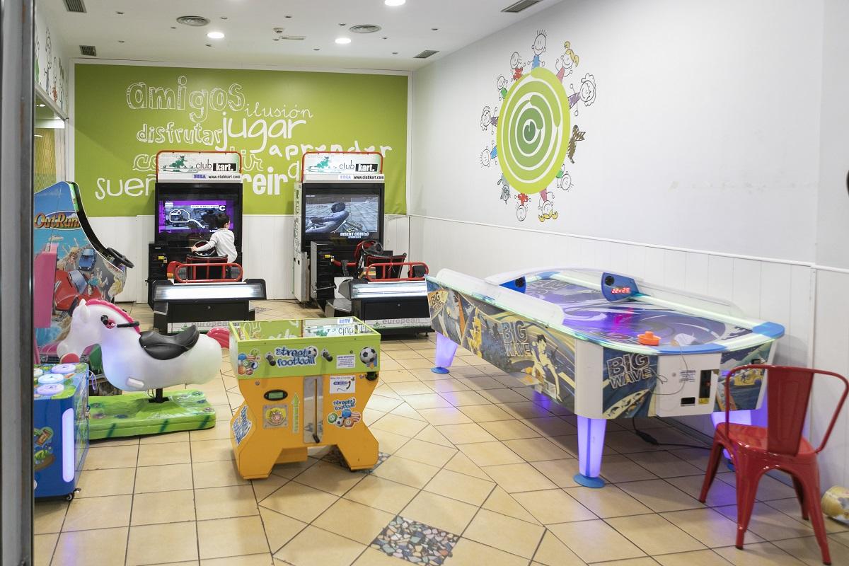 zona-recreativa-plaza-eboli-niños