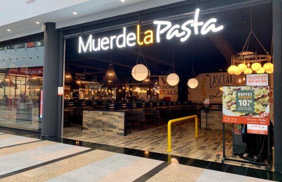 restaurante buffet muerde la pasta en centro comercial plaza éboli